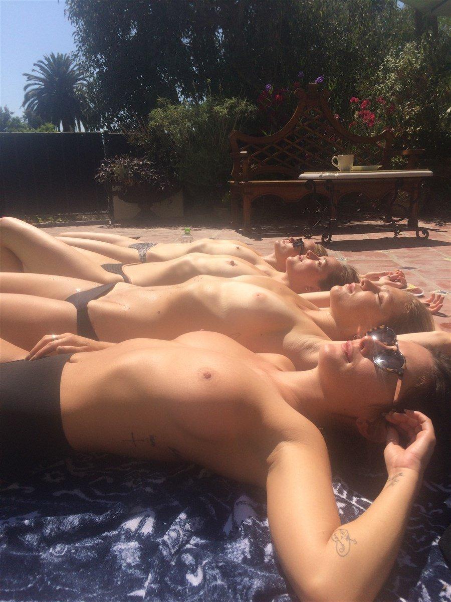 dakota johnson nude pics