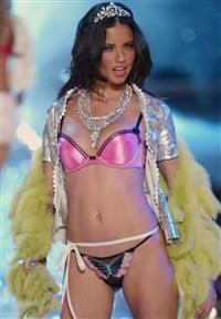 Adriana lima vagina, milfs sucking tits