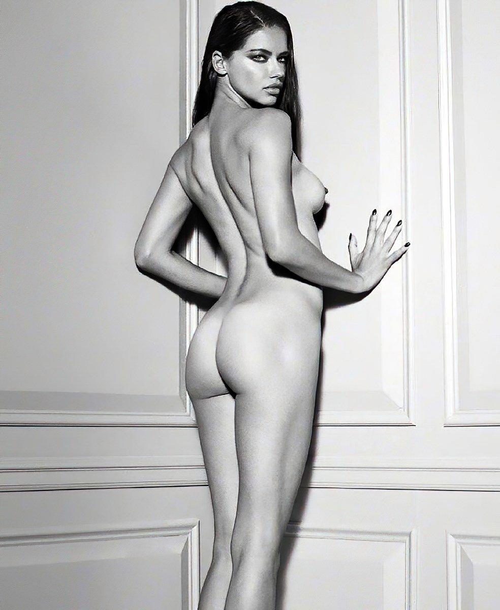 Victoria's Secret's Hottest Models All Go Topless