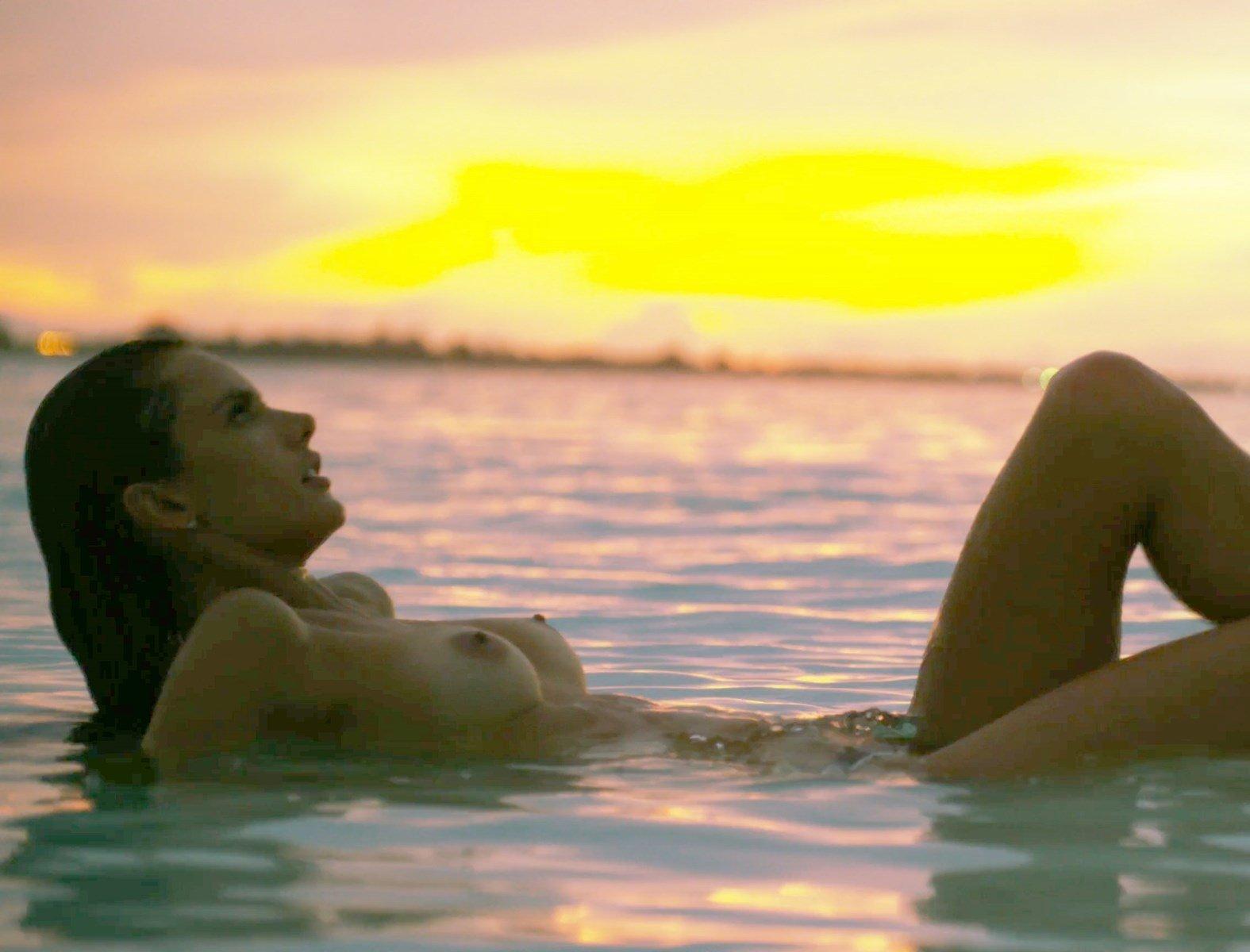 Sexy Pics Of Alessandra Ambrosio