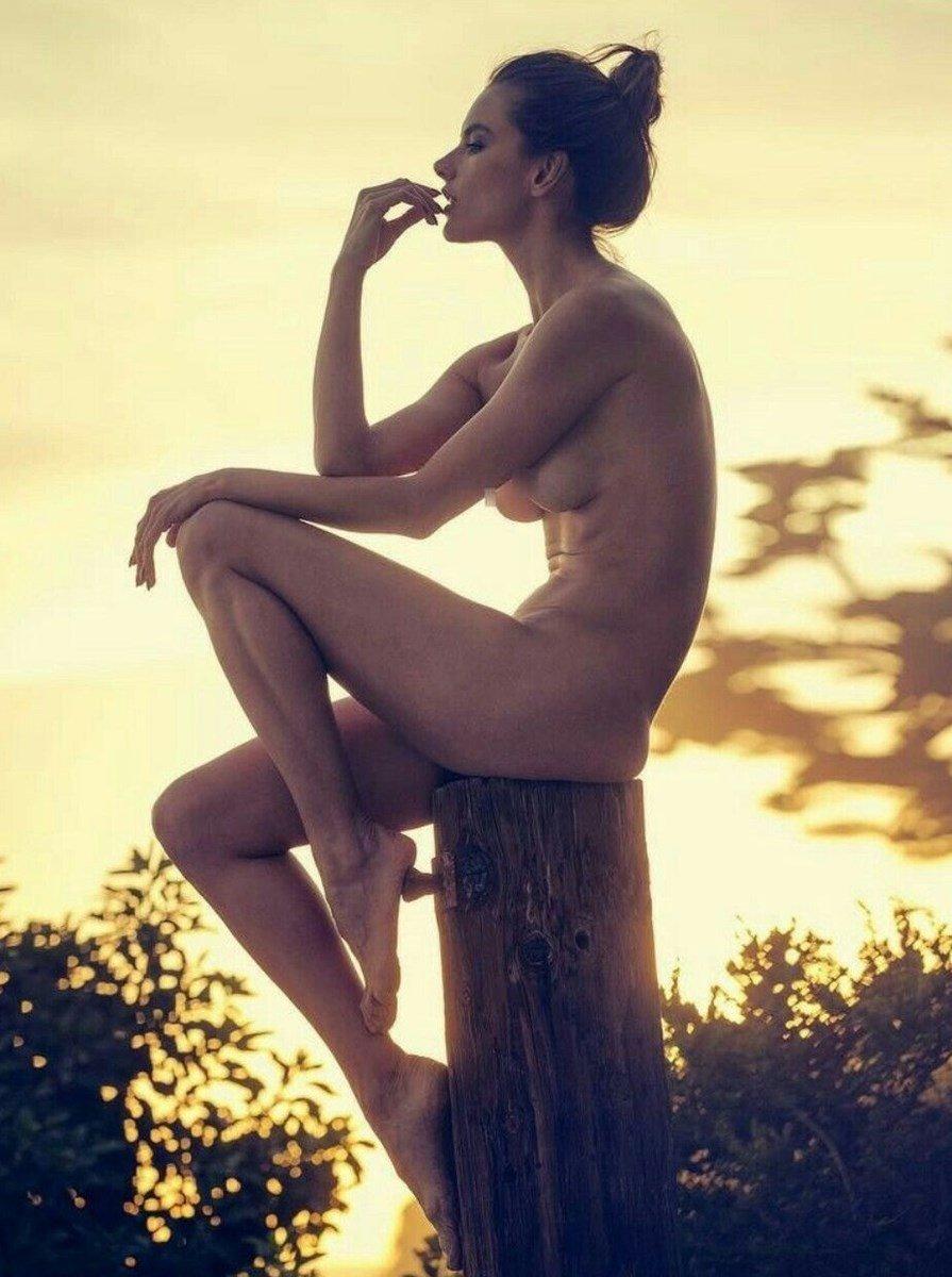 Free Nude Alessandra Ambrosio Naked