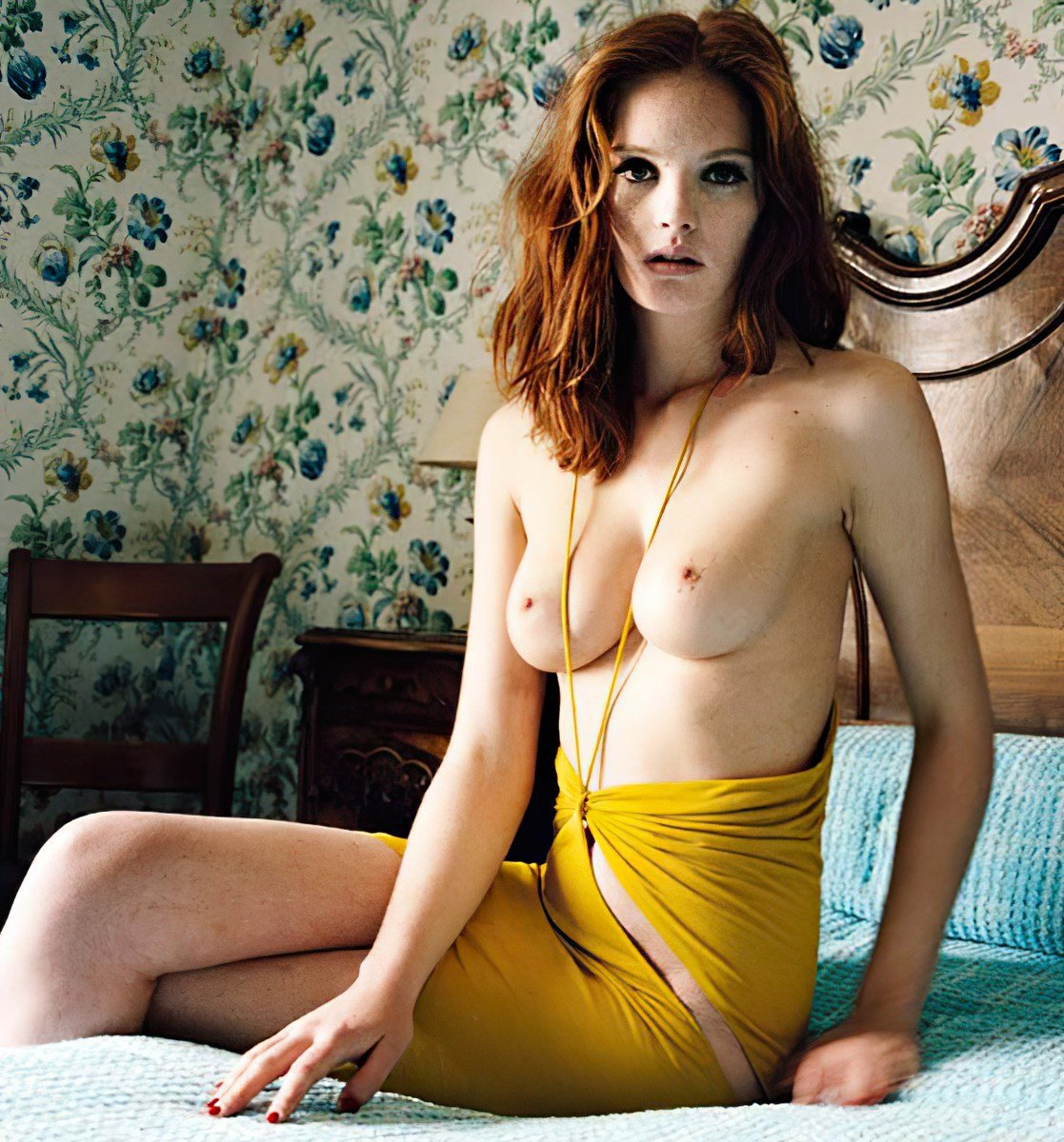 nude-celebs, alexina-graham