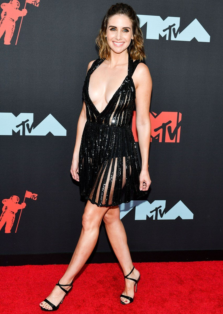 Alison Brie (With images)   Alison brie, Brie, Celebrities
