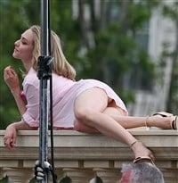 Amanda seyfried upskirt picture 248