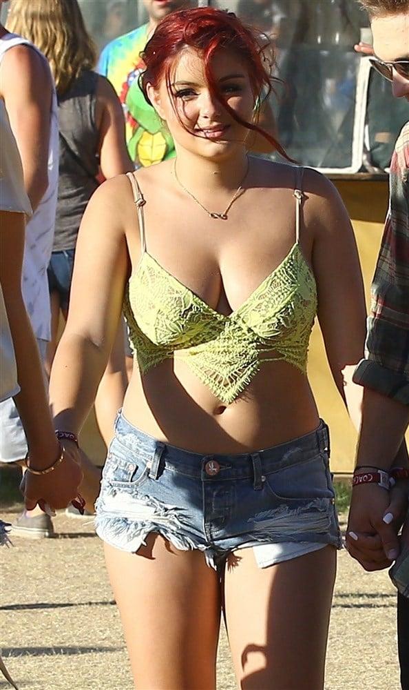 Ariel Winter Is A Fat Slut At Coachella