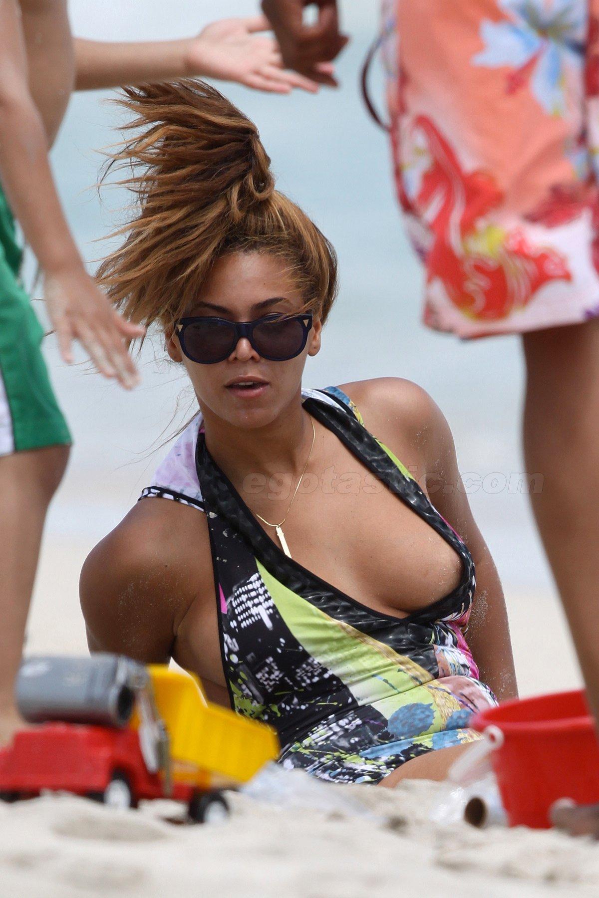 Beyonce Nipple Slip