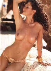 candace cameron boob naked