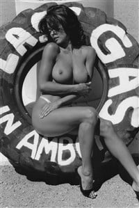 nude and burke Brooke black white