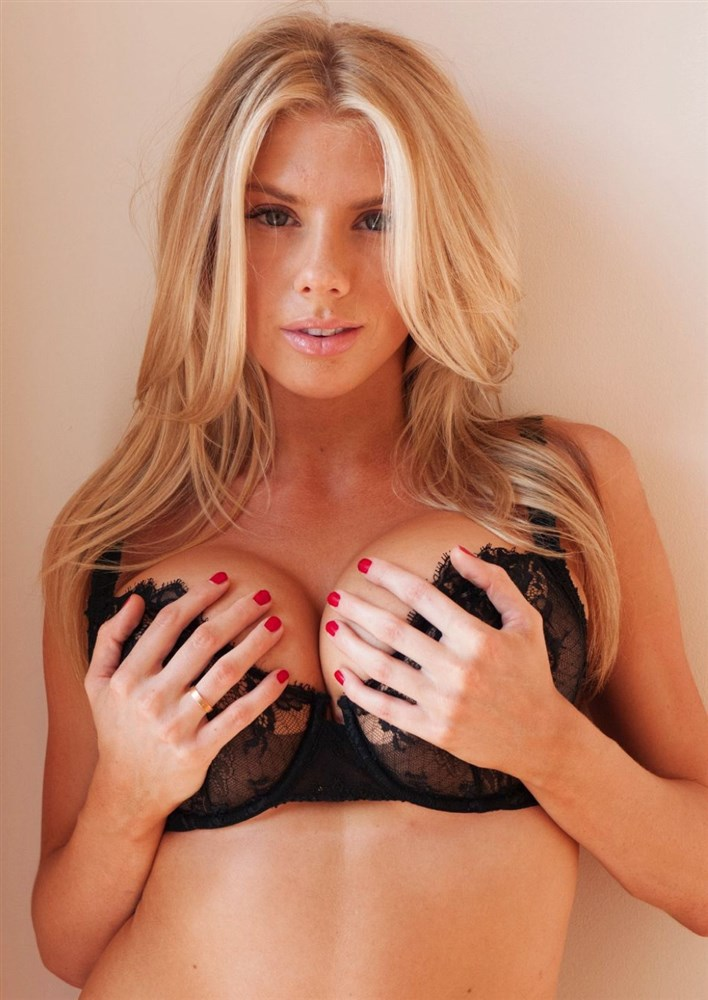 Charlotte McKinney Topless And See Thru Photos Compilation