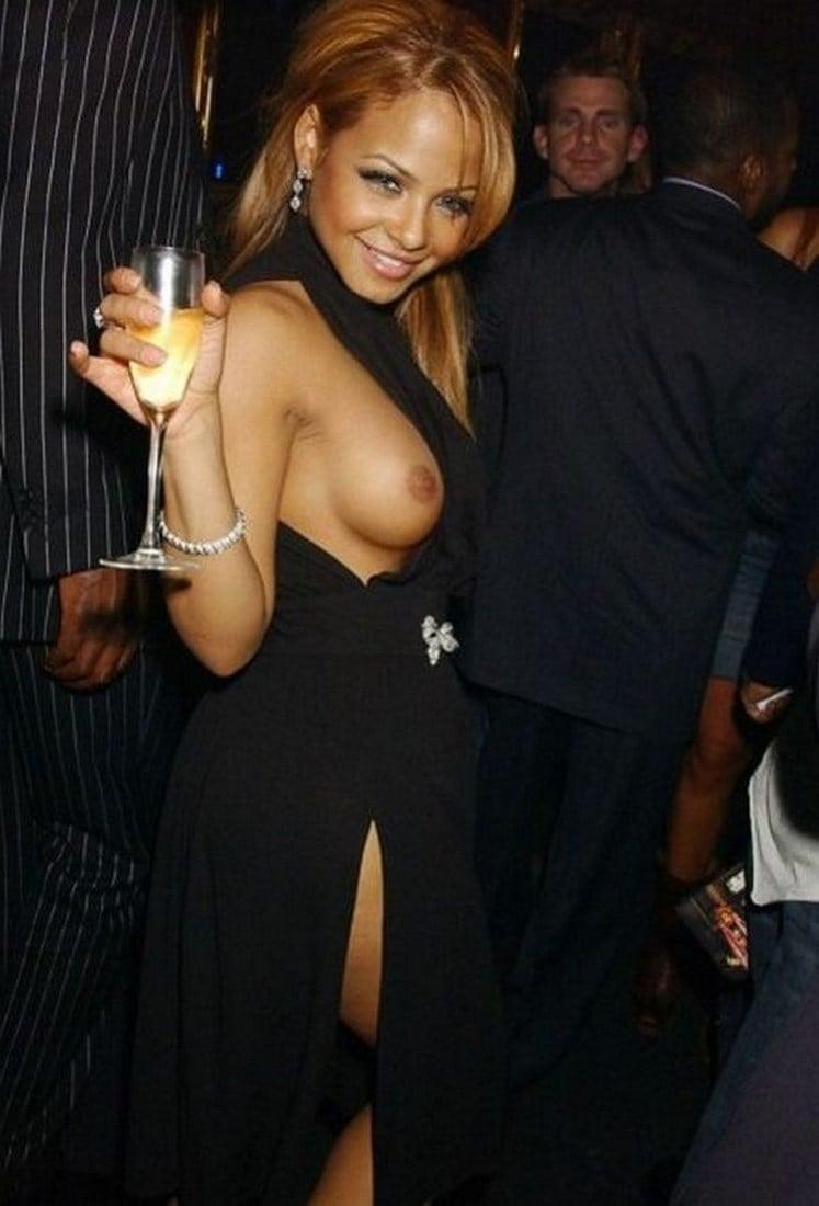Pll's sasha pieterse posts half nude pregnant photo sheknows