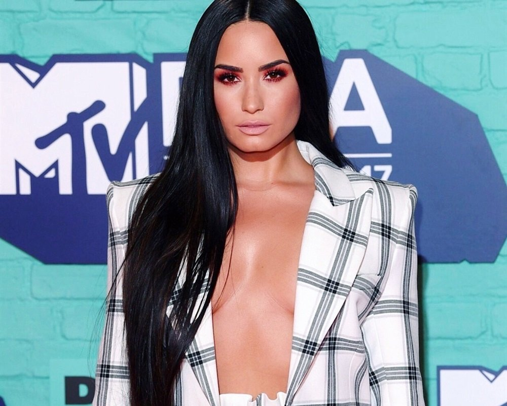 Demi Lovato EMAs