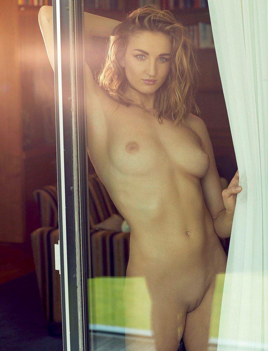 nude-celebs, elena-krawzow