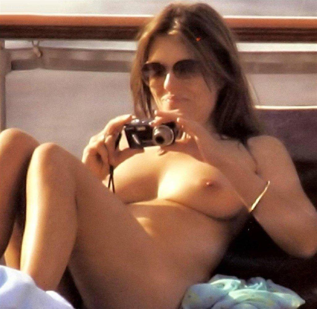 Free Elizabeth Hurley Nude Sex Scenes