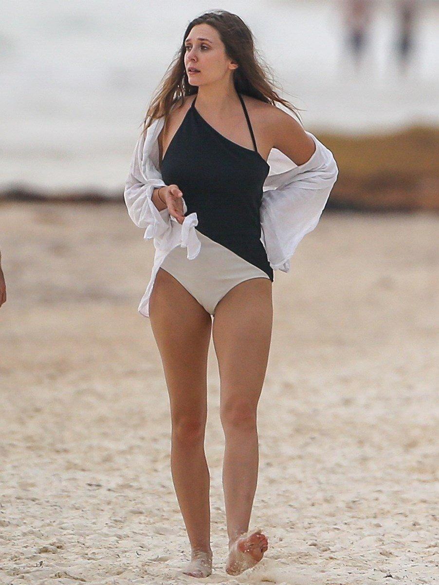 Elizabeth Olsen Begging For It In A Swimsuit