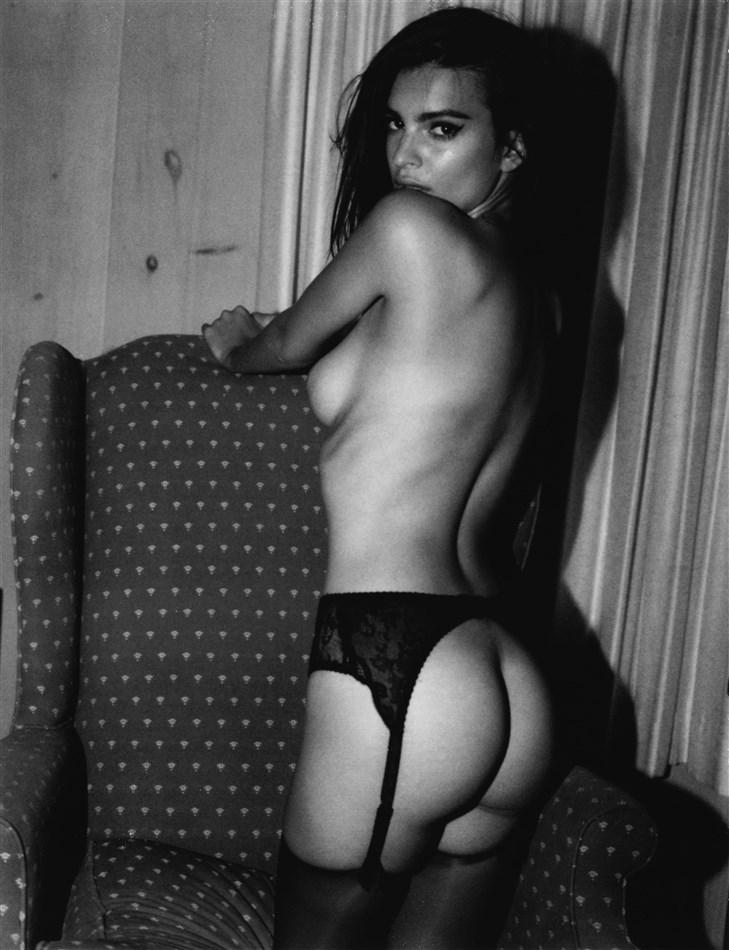 New Emily Ratajkowski Nude Pics For Jonathan Leder