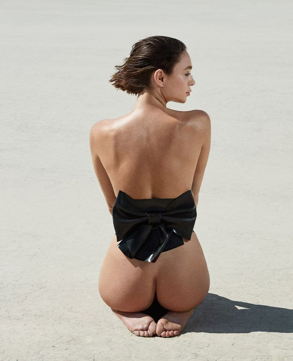 Emma Isabella Holley Nude Photos Collection
