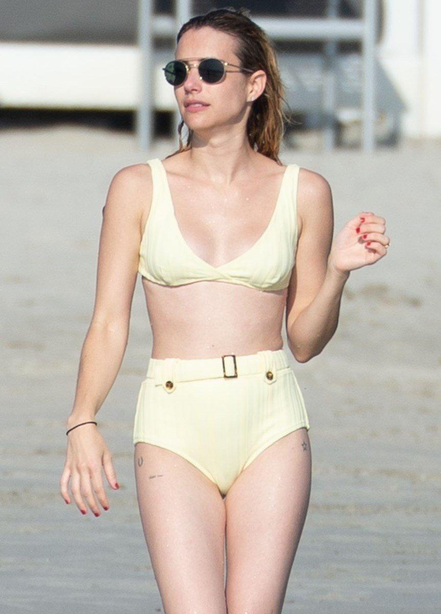 Emma Roberts Candid Androgynous Bikini Pics