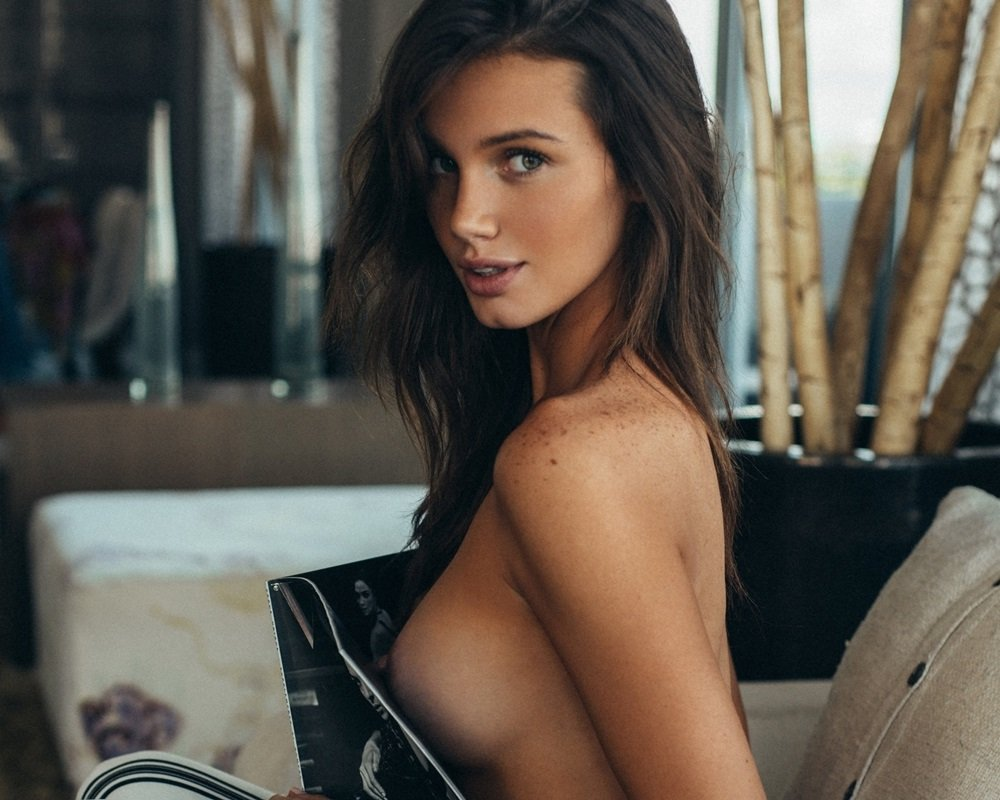 Hailey Outland nip slip
