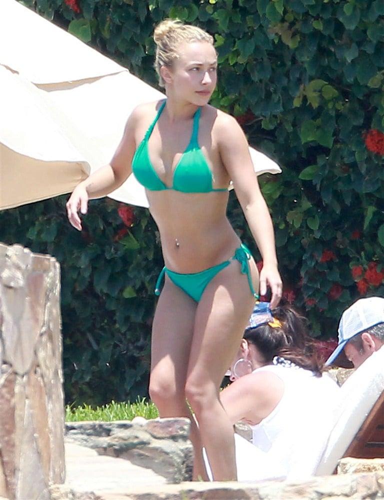 Hayden Panettiere Green Bikini Pics