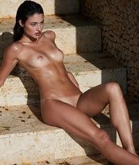 Isabelle Boemeke  nackt