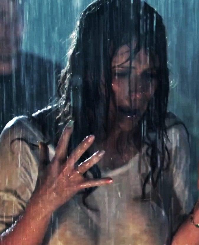 Jennifer Love Hewitt See Thru Wet T-Shirt & No Bra