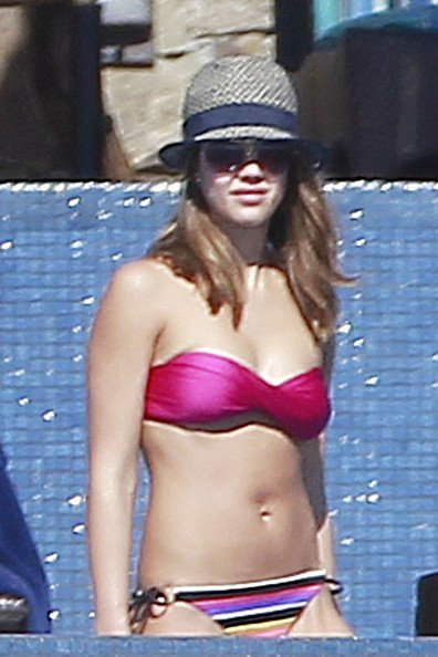 Jessica Alba 2012 Bikini Pics