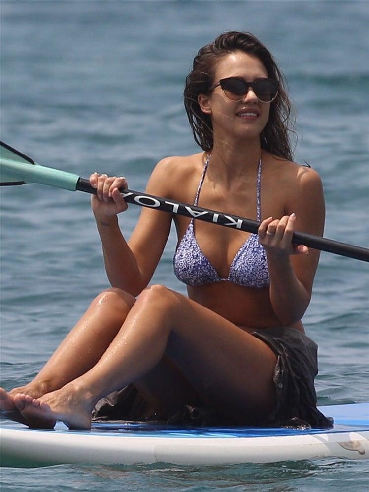 Jessica Alba Spring Break Bikini Beach Pics Day 2