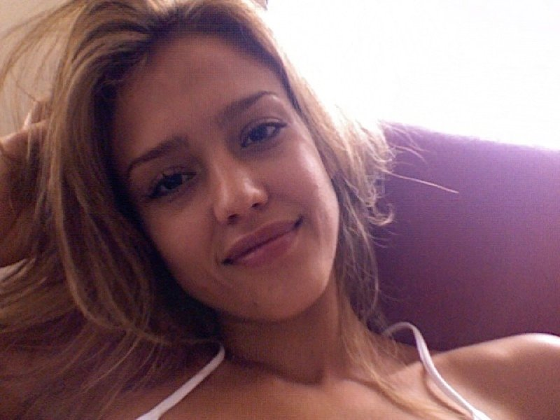 Jessica Alba Topless Cell Phone Pics Leaked