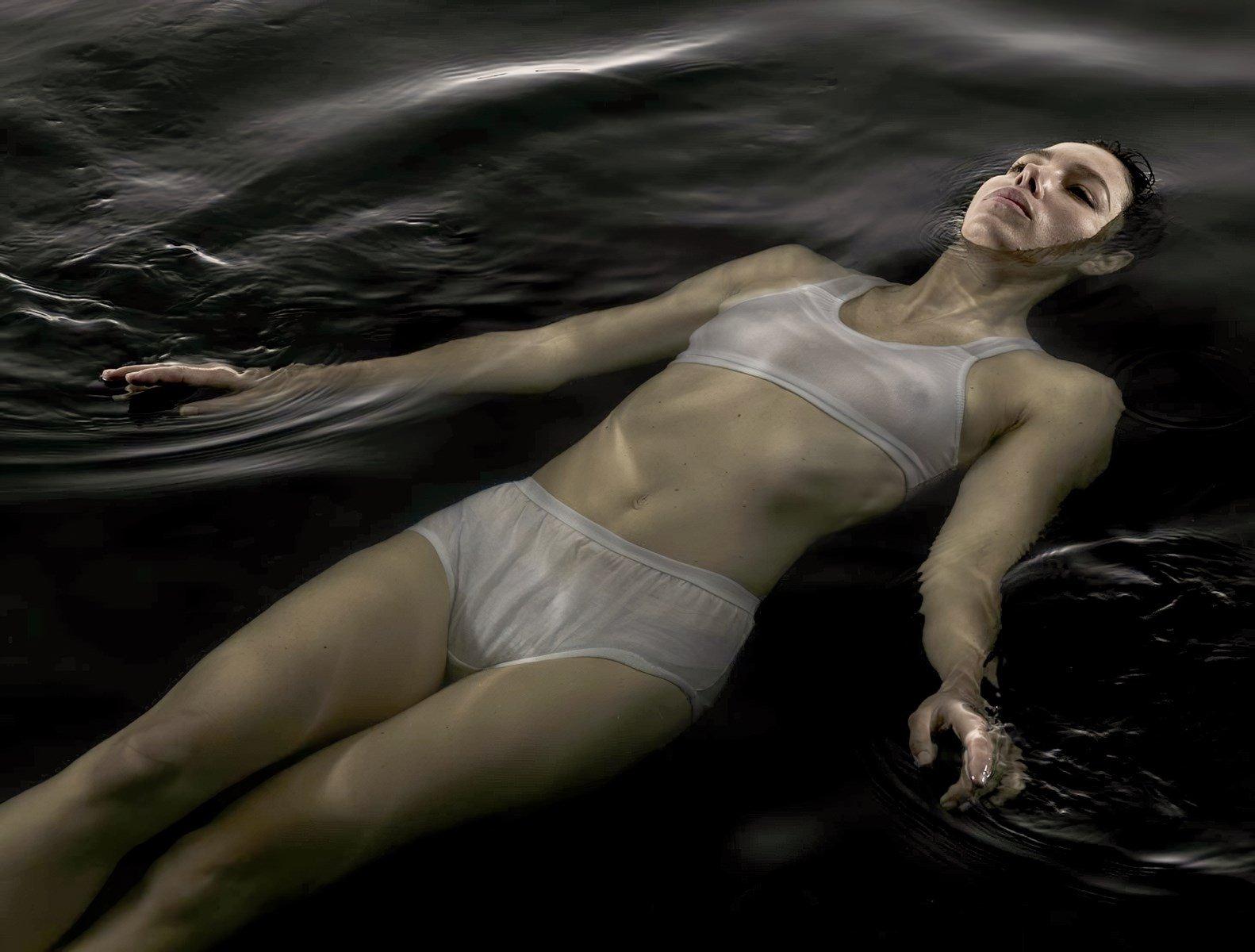 Jessica Biel Wet Nipples Photo Shoot