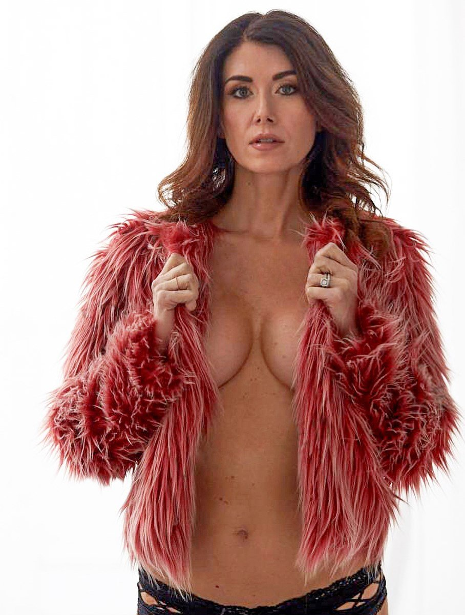 Jewel Staite Nude Tit Slip Outtakes