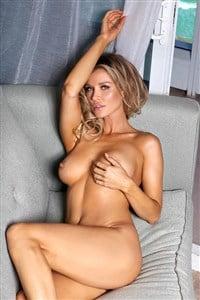 Bikini Joanna Housewife Nude Pics