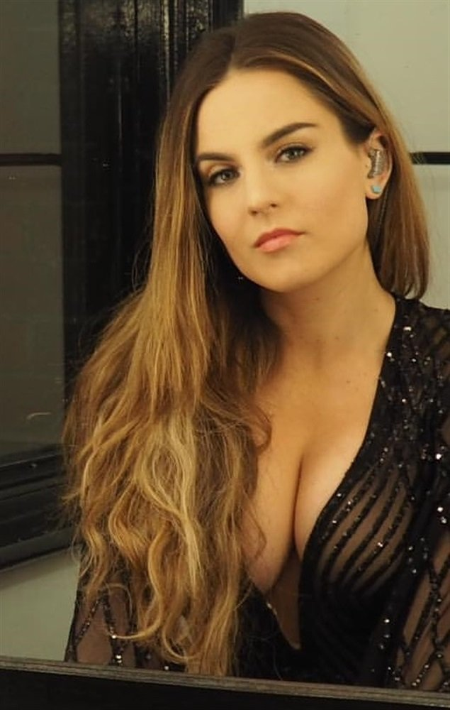 JOJO TAKES HER FAT TITS AND ASS ON TOUR IN EUROPE