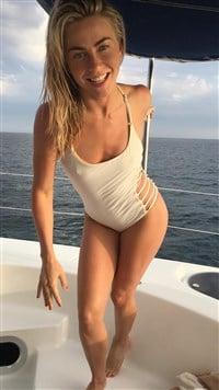 Bachelorette nude pics