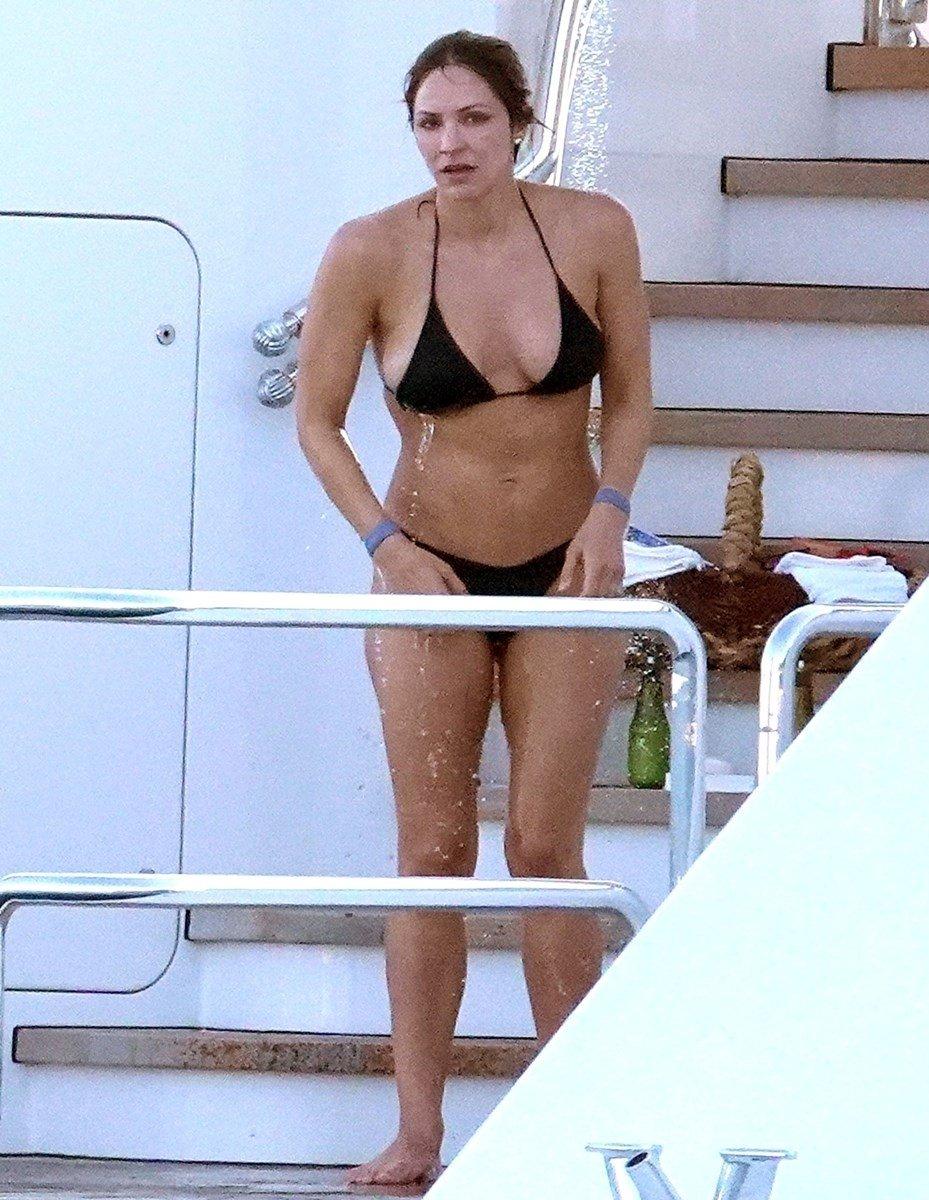 Katharine McPhee Topless Nude Sunbathing