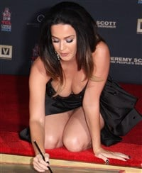 Katy perry bends over to show her ass on video - 1 part 5