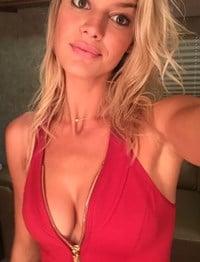 Kelly Rohrbach Nude Masturbation Video Leaked