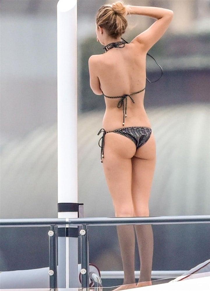 Kendall Jenner & Gigi Hadid In Thong Bikinis On A Yacht