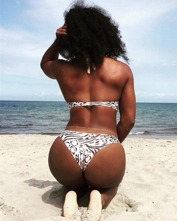 Justin Bieber's Dick & Khloe Kardashian's And Serena Williams' Ass For The Gays