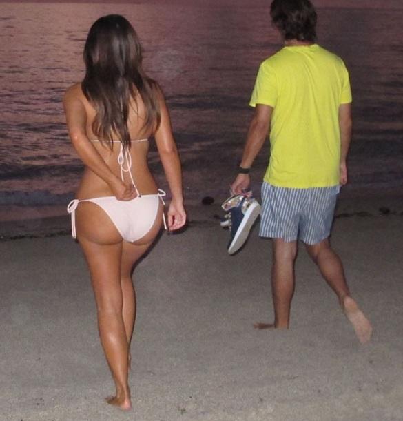 Kim Kardashian Sunset Bikini Pics