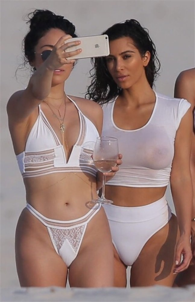Kim Kardashian Ass, Tits, And Twerking Video