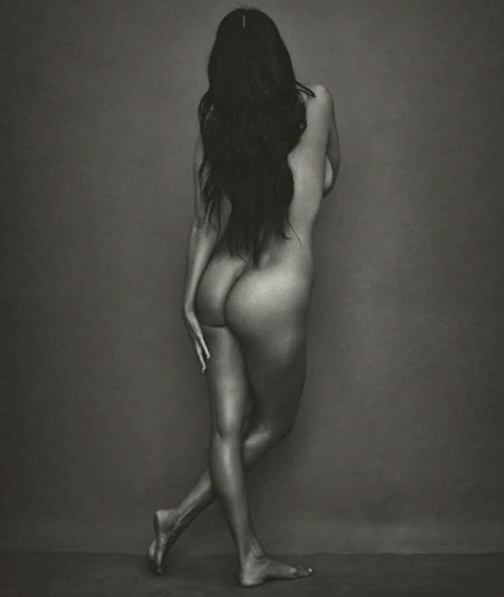 Kourtney Kardashian Nude Photo Shoot Outtakes