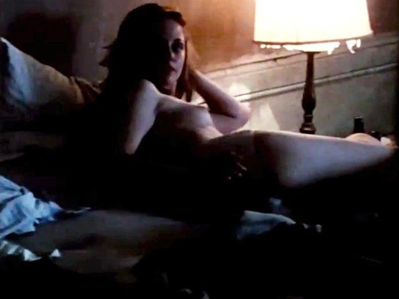 Kristen Stewart Topless Movie Pics