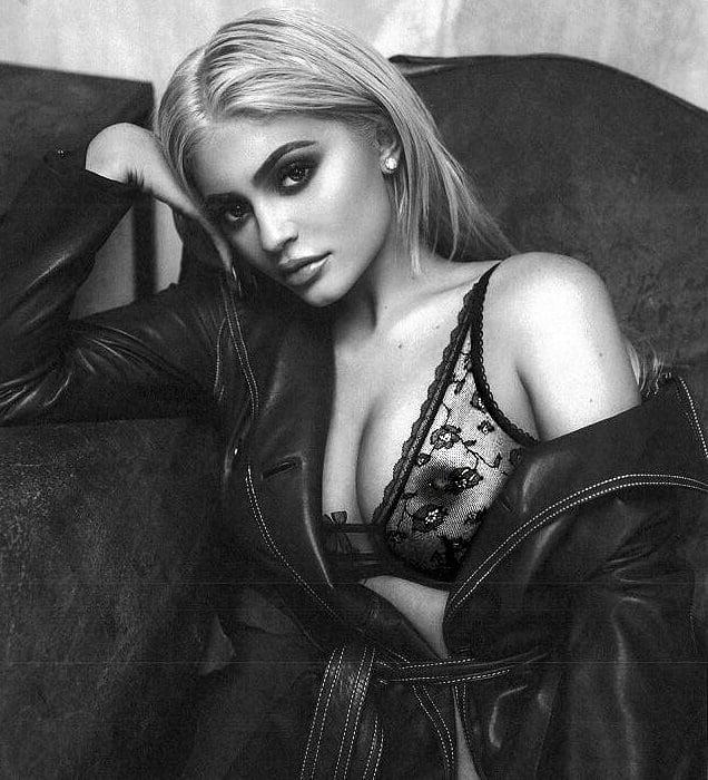 Kylie Jenner naked nipples