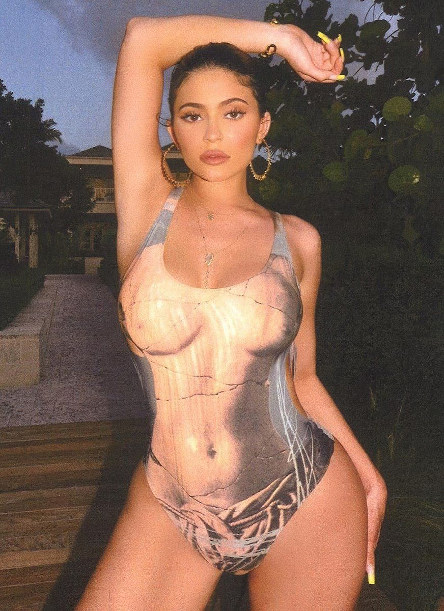 Kylie Jenner Nude In A Niqab Mocking Islam