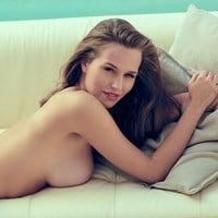 Laura marano nackt