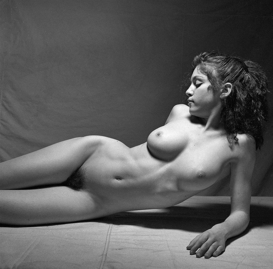 Nude Celeb Photo Shoots