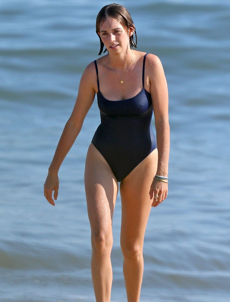 Maya Hawke In A Swimsuit Trying To Hump The Ocean