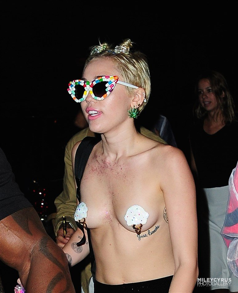 Miley Cyrus Topless With Pasties On At A Rave