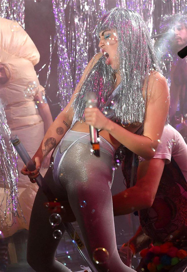 Miley Cyrus Is The Living Embodiment Of Art