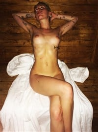 Ray naked Miley